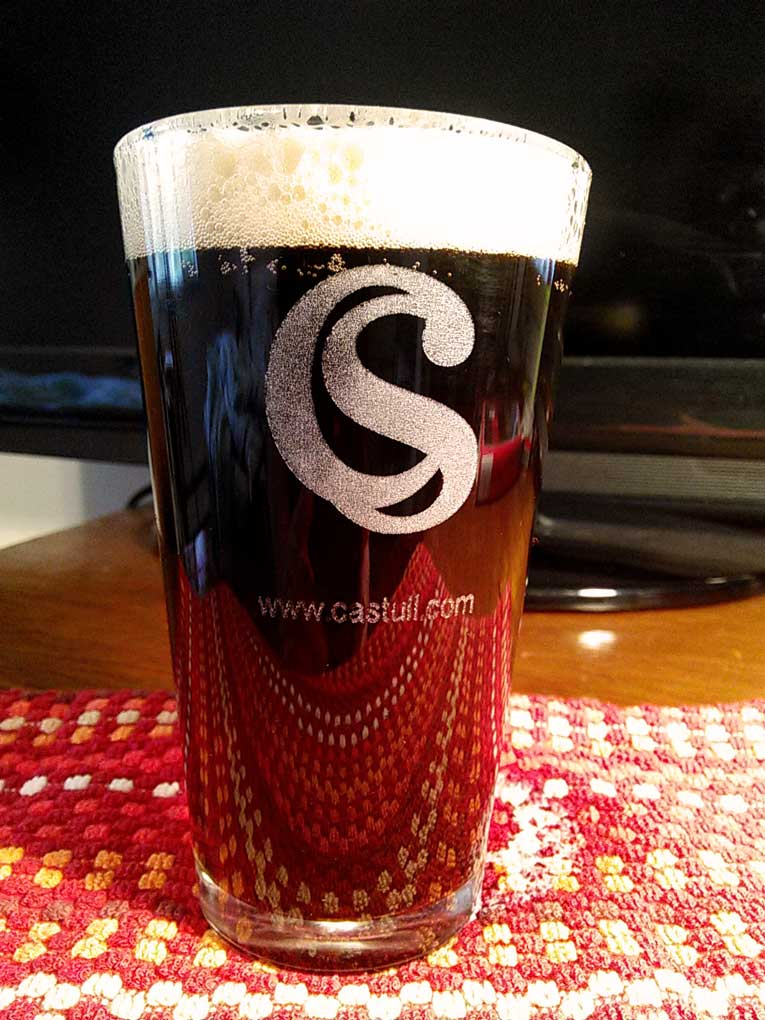 Pub Glass with logo